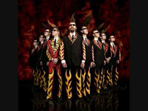 Leningrad Cowboys - Manic Monday