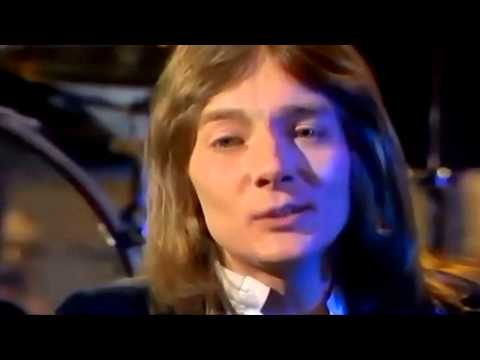 Smokie - Living Next Door To Alice (Official Music Video)