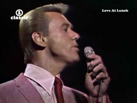The Righteous Brothers - Unchained Melody.avi